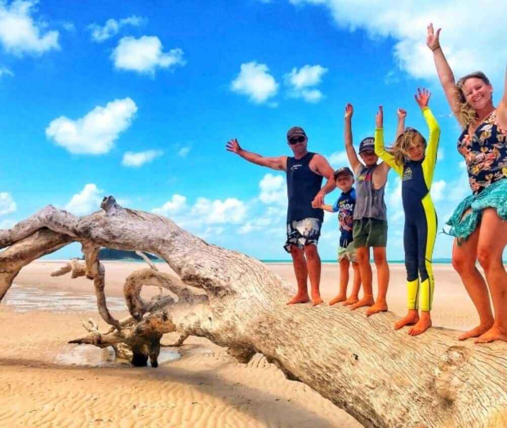 family traveling in Australia
