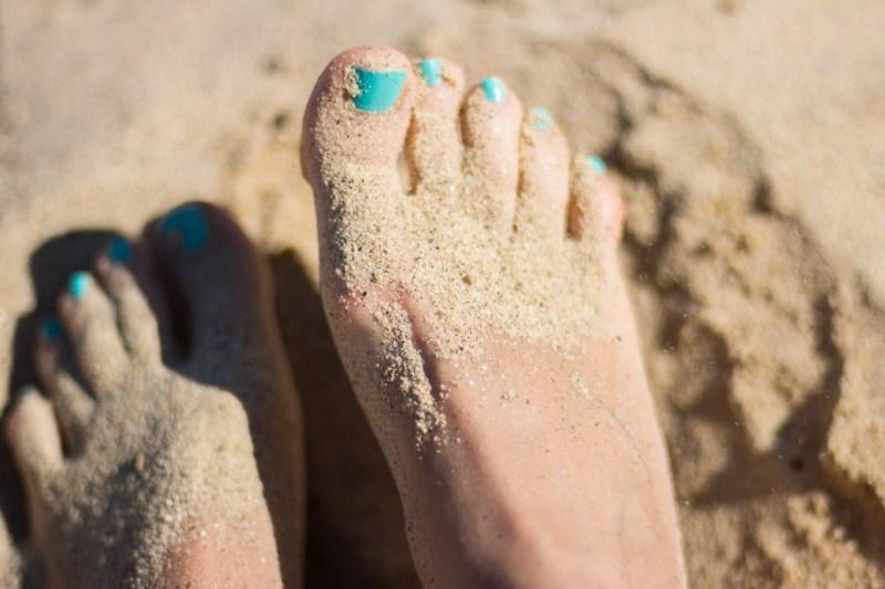 sandy toe pic